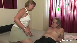 Amateur mature old Germans love to 69 and fuck on camera